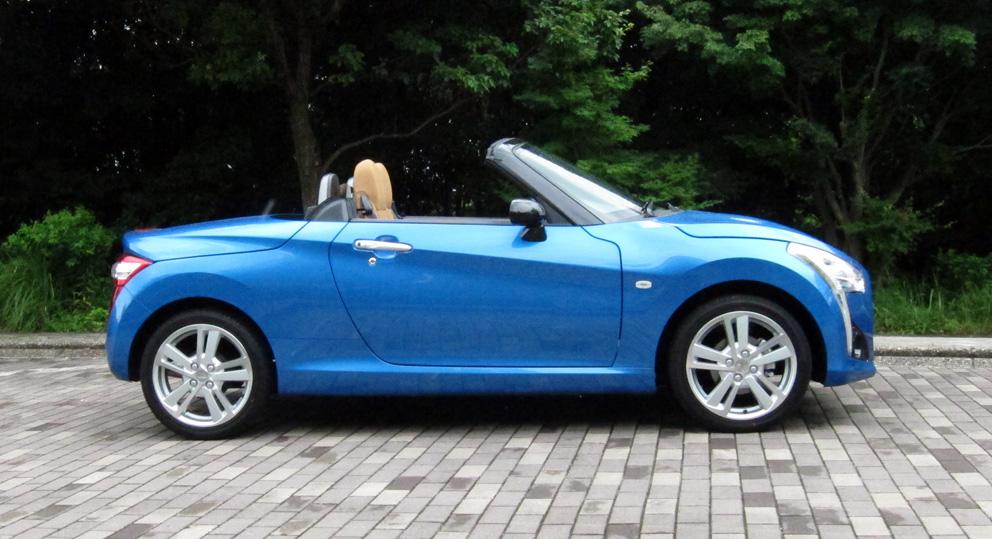 スポーツカータイプの軽自動車