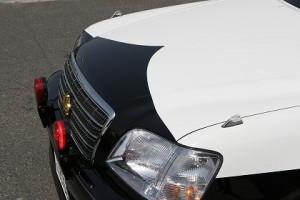 向こうに赤色灯を積んだ車が停まっている・・・。まさか、パトカーがネズミ取りを・・・。
