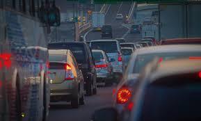 通勤に20分以上かかる人は心や体が疲弊し慢性的なストレス状態に陥りやすい 車通勤が最もストレスを感じる