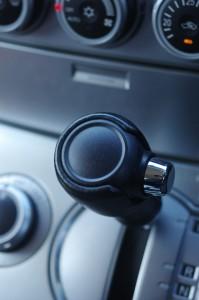 俺が車を運転しているときに助手席がギアを変えてくるんだけど!!まじ危ない!!
