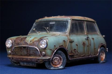 【画像】あえて古く見せるのがオシャレ?新車があっという間に放置車両wwww